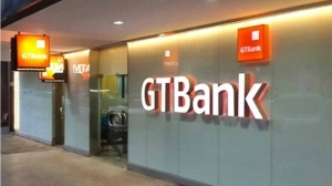 Commotion As Armed Robbers Storm GT Bank In Broad Daylight, Shoot Man